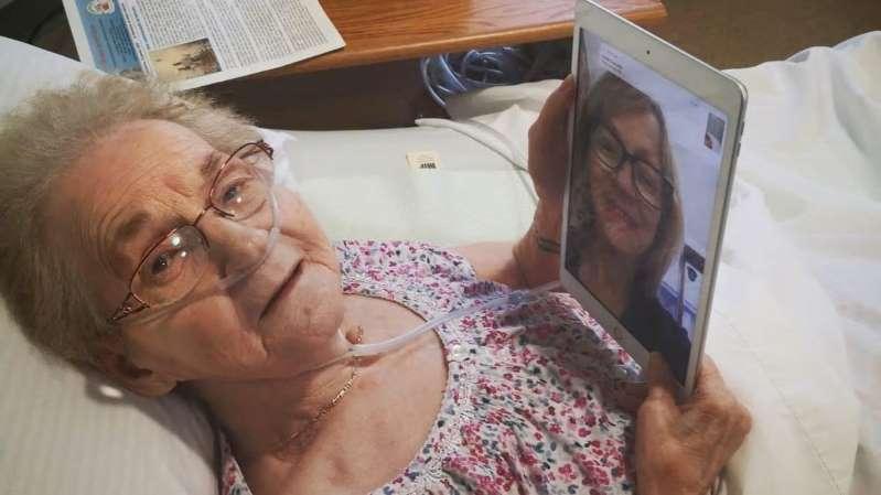 COVID-19 : la technologie pour contrer l'isolement des aînés